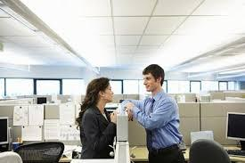 How to Have an Office Romance and Still Keep Your Job